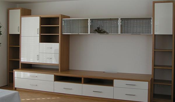 Wohnwand weiss und holz top holz interessant wohnwand for Holz wohnwand