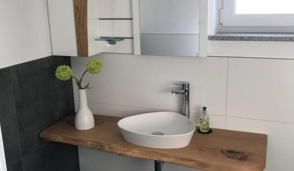Gäste- WC Mit Holzwaschtisch